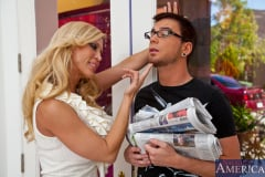 Amber Lynn and Dane Cross in Seduced by a cougar (Thumb 01)