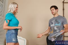 Emma Starr and Giovanni Francesco in Seduced by a cougar (Thumb 02)