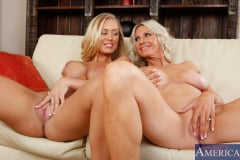 Emma Starr, Nicole Aniston and Billy Glide in 2 Chicks Same Time (Thumb 02)