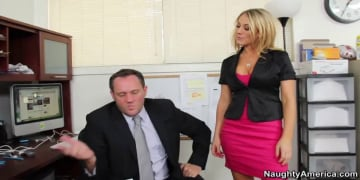 Amber Ashlee and Alec Knight in Naughty Office