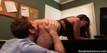 Yurizan Beltran and Danny Wylde in Naughty Office