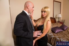 Nikki Benz and Johnny Sins in My Dad's Hot Girlfriend (Thumb 03)