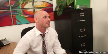 Ash Hollywood and Johnny Sins in Naughty Office