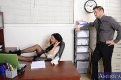 Audrey Bitoni and Johnny Castle in Naughty Office (Thumb 01)
