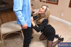 Brandi Love and Bill Bailey in Seduced by a cougar (Thumb 03)