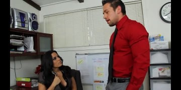 Luna Star and Johnny Castle in Naughty Office