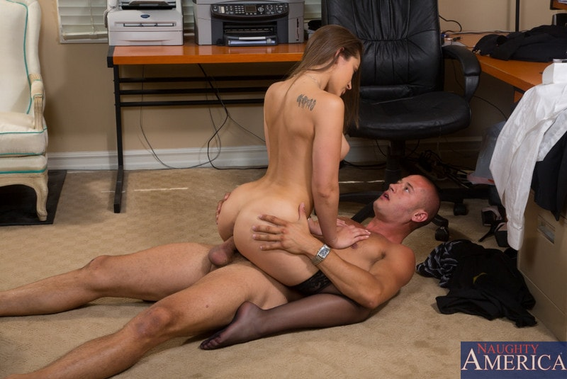 Employee gives her boss a pantyhose footjob 1