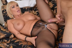 Mellanie Monroe and Bruno Dickemz in Seduced by a cougar (Thumb 11)
