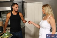 Julia Ann and Danny Mountain in Seduced by a cougar (Thumb 01)