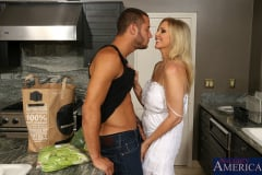 Julia Ann and Danny Mountain in Seduced by a cougar (Thumb 03)