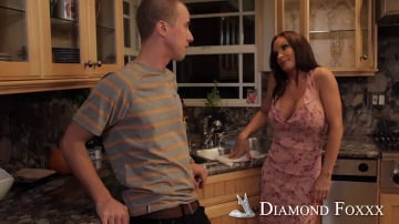 Diamond Foxxx and Jessy Jones  in My Friends Hot Mom