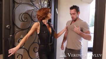 Veronica Avluv in Seduced by a cougar