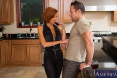 Veronica Avluv in Seduced by a cougar (Thumb 03)