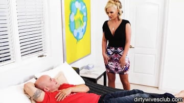 Phoenix Marie in Dirty Wives Club