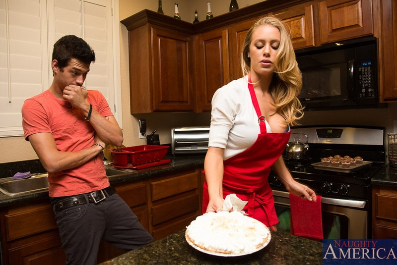Dirty Wives Club Nicole Aniston