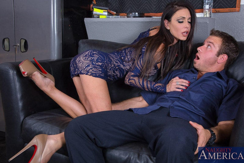 Naughty America 'Jessica Jaymes in Seduced by a cougar' starring Jessica Jaymes (photo 2)