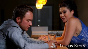 London Keyes in I Have a Wife