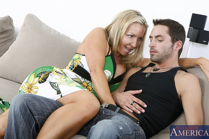 Naughty America 'and Kris Slater in My Friends Hot Mom' starring Lisa DeMarco (Photo 2)