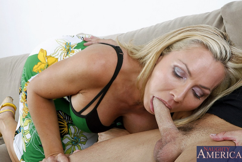 Naughty America 'and Kris Slater in My Friends Hot Mom' starring Lisa DeMarco (Photo 4)