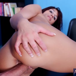 Dahlia Denyle in 'Naughty America' and Alec Knight in Naughty Bookworms (Thumbnail 15)