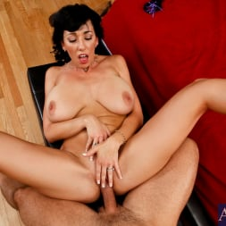 Alia Janine in 'Naughty America' and Denis Marti in Housewife 1 on 1 (Thumbnail 13)