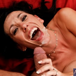 Alia Janine in 'Naughty America' and Denis Marti in Housewife 1 on 1 (Thumbnail 14)