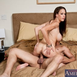 McKenzie Lee in 'Naughty America' and Anthony Rosano in I Have a Wife (Thumbnail 9)