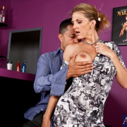 Roxanne Hall in 'Naughty America' and Pike Nelson in Seduced by a cougar (Thumbnail 2)