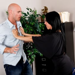 Megan Foxx in 'Naughty America' and Johnny Sins in My Dad's Hot Girlfriend (Thumbnail 2)