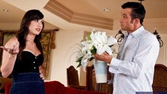 Jennifer White に 'and Billy Glide in Naughty Rich Girls'
