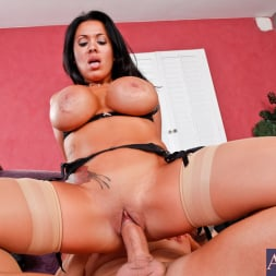 Sienna West in 'Naughty America' and Jack Lawrence in Latin Adultery (Thumbnail 8)