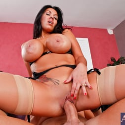 Sienna West in 'Naughty America' and Jack Lawrence in Latin Adultery (Thumbnail 9)