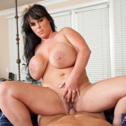 Indianna Jaymes in 'Naughty America' and Christian in Housewife 1 on 1 (Thumbnail 8)