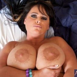 Indianna Jaymes in 'Naughty America' and Christian in Housewife 1 on 1 (Thumbnail 13)