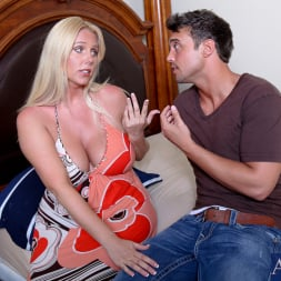 Karen Fisher in 'Naughty America' and Rocco Reed in My Friends Hot Mom (Thumbnail 2)