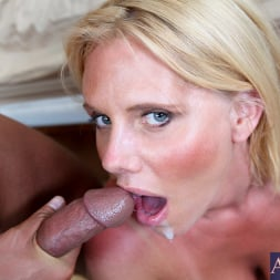 Karen Fisher in 'Naughty America' and Rocco Reed in My Friends Hot Mom (Thumbnail 14)