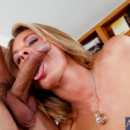 Amanda Blow in 'Naughty America' and Anthony Rosano in My First Sex Teacher (Thumbnail 4)