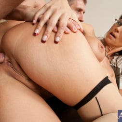 Syren De Mer in 'Naughty America' and Danny Wylde in My First Sex Teacher (Thumbnail 10)