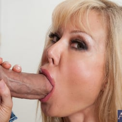 Cindi Sinderson in 'Naughty America' and Christian in My Wife's Hot Friend (Thumbnail 4)