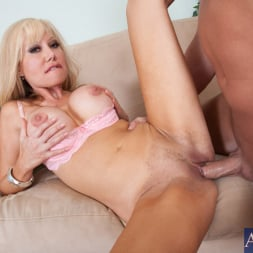 Cindi Sinderson in 'Naughty America' and Christian in My Wife's Hot Friend (Thumbnail 8)