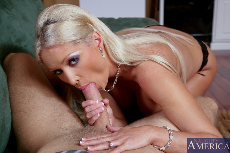 Naughty America 'and Danny Wylde in Housewife 1 on 1' starring Diana Doll (Photo 5)