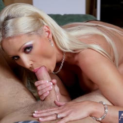 Diana Doll in 'Naughty America' and Danny Wylde in Housewife 1 on 1 (Thumbnail 5)