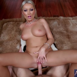 Diana Doll in 'Naughty America' and Danny Wylde in Housewife 1 on 1 (Thumbnail 11)
