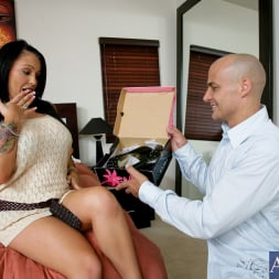 Jenna Presley in 'Naughty America' and Ben English in My Wife's Hot Friend (Thumbnail 1)