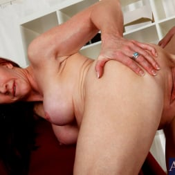 Catherine de Sade in 'Naughty America' and Xander Corvus in My Friends Hot Mom (Thumbnail 7)