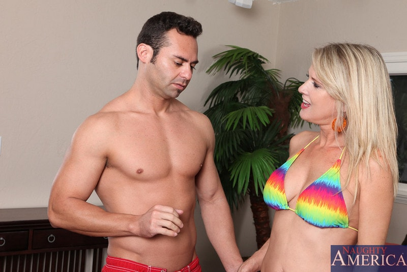 Naughty America 'and Jack Cummings in My Friends Hot Mom' starring Bridgett Lee (Photo 15)