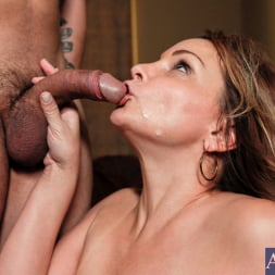Rebecca Bardoux in 'Naughty America' and Anthony Rosano in My Friends Hot Mom (Thumbnail 14)