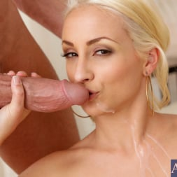 Lexi Swallow in 'Naughty America' and Billy Glide in My Wife's Hot Friend (Thumbnail 15)