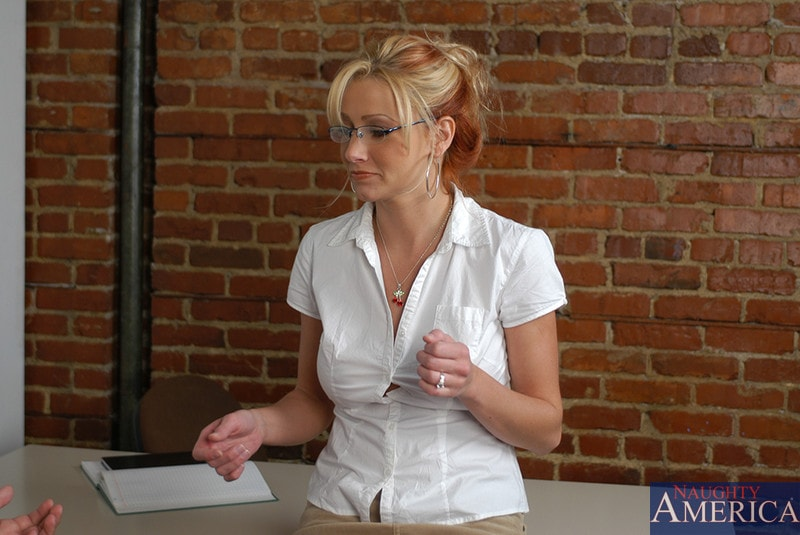 Naughty America 'and Sergio in My First Sex Teacher' starring Ms. Leigh (Photo 2)