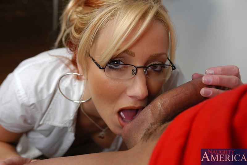 Naughty America 'and Sergio in My First Sex Teacher' starring Ms. Leigh (Photo 4)